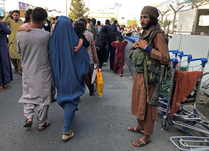 Массовый отток беженцев из Афганистана спрогнозировали в ОДКБ