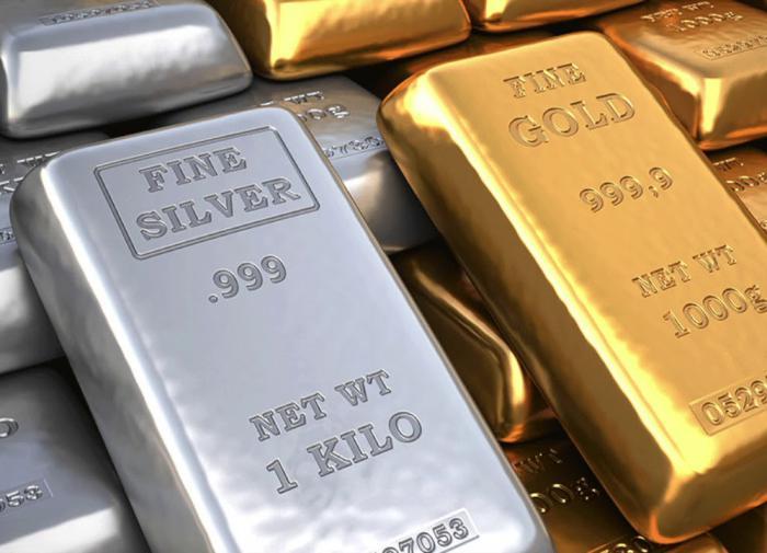 Финансисты: время вкладываться в серебро - оно становится дороже золота