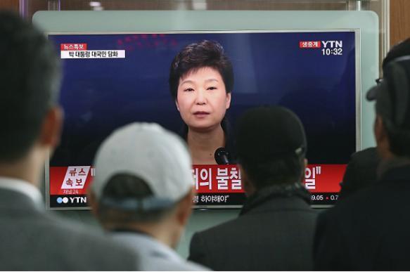 Импичмент, суд, расстрел: экс-президент Южной Кореи арестована
