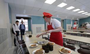 В Госдуме предложили исключить импортные продукты из школьного питания