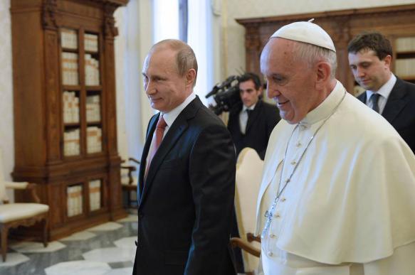 В РПЦ назвали полезной встречу Путина и Папы Римского Франциска