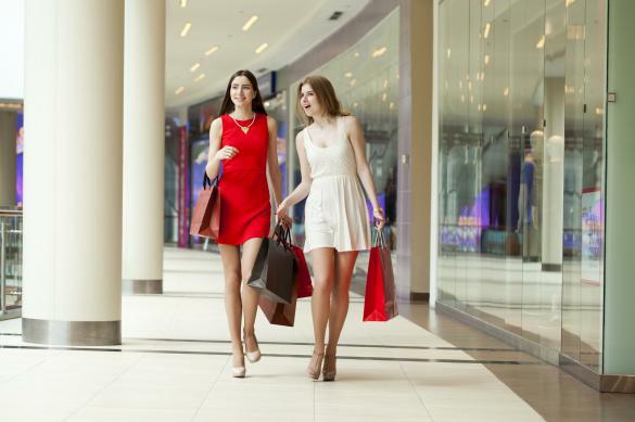"""Эксперт: покупки одежды """"на каждый день"""" уйдут в онлайн"""