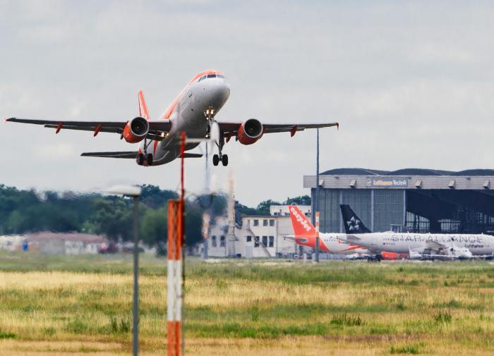 Эксперт: полноценно международное авиасообщение восстановят в 2021 году