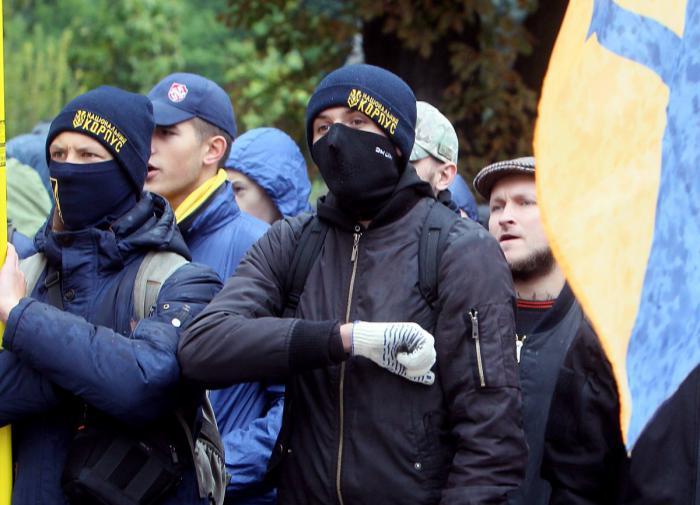 Сначала бей, потом выясняй – кто это: девиз Нацкорпуса Украины сработал