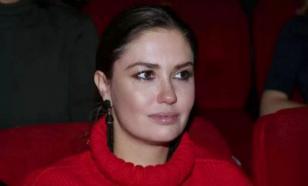 Муцениеце выгнали из спектакля, где она играла вместе с Прилучным
