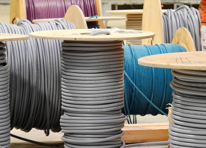 Житель Сахалина похитил со стройки 16 километров кабеля