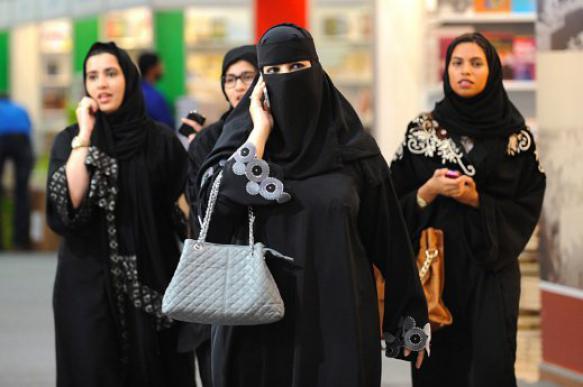 Власти Саудовской Аравии снимут запрет на путешествия для женщин