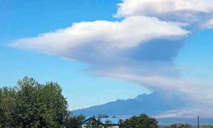На Камчатке вулкан Шевелуч присыпал пеплом 2 поселка