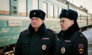 Путин разрешил транспортной полиции применять шокер