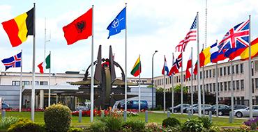 НАТО: союз будущего или тень прошлого? - прямой эфир Pravda.Ru
