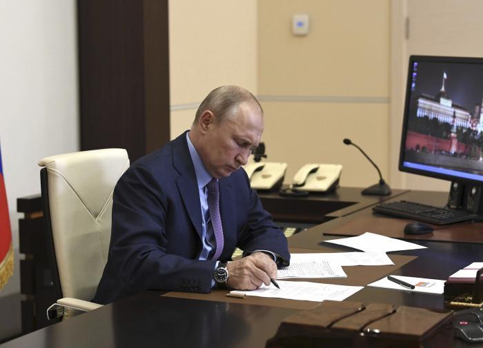 Путин, Трамп и Макрон выступят с общим заявлением по Карабаху
