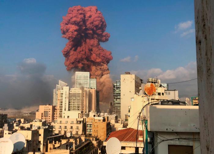 """""""Национальная катастрофа"""": что известно о взрывах в Бейруте"""