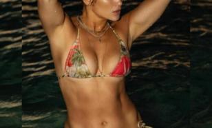 Дженнифер Лопес в очередной раз поразила поклонников фото в бикини