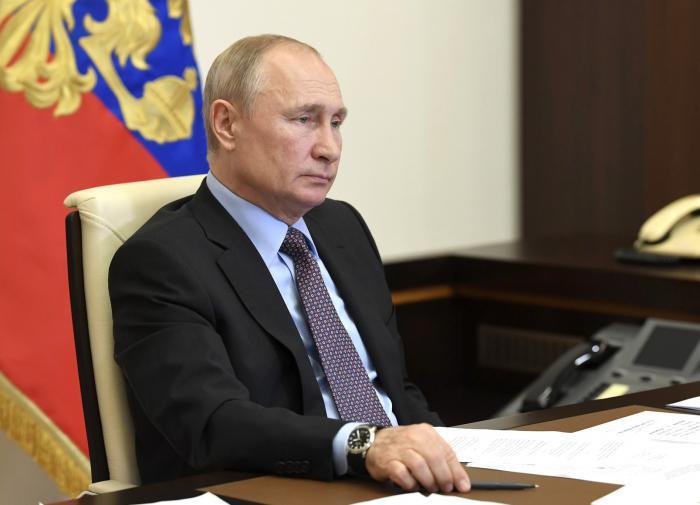 """Путин: """"Вопрос со """"скорыми"""" нужно дожать"""""""