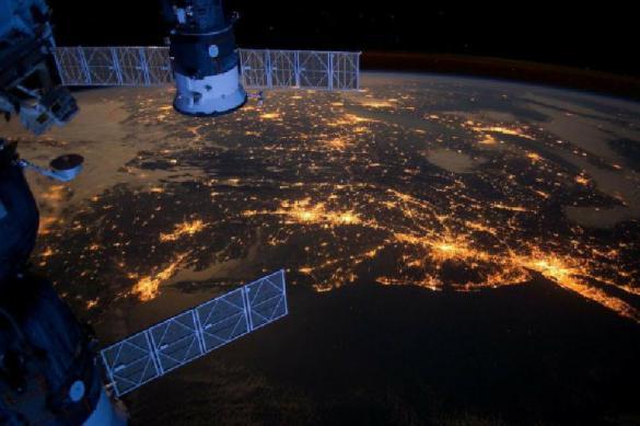 США обеспокоены: российский спутник следит за их разведчиком