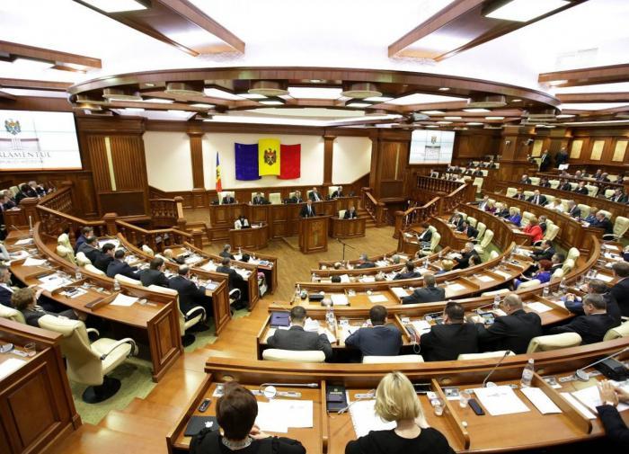 Правительство Молдавии получило вотум недоверия