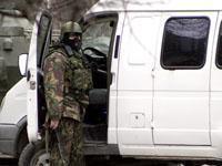 В Каспийске при взрыве погибли двое полицейских, пятеро ранены.