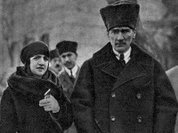 Латифе просверлила мозг Ататюрку