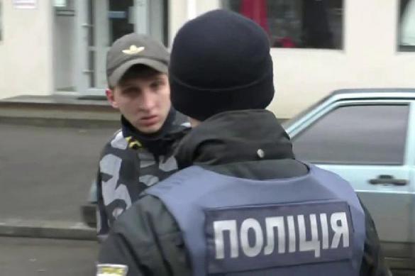 """Украинская полиция опозорилась: арест подозреваемого """"боевым гопаком"""""""