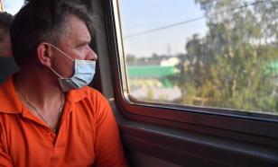 В Киеве школьники устроили погром в трамвае из-за просьбы надеть маски
