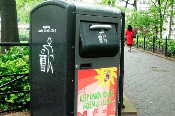 """""""Умные"""" урны в Нью-Йорке начали очищать город и раздавать Wi-Fi"""