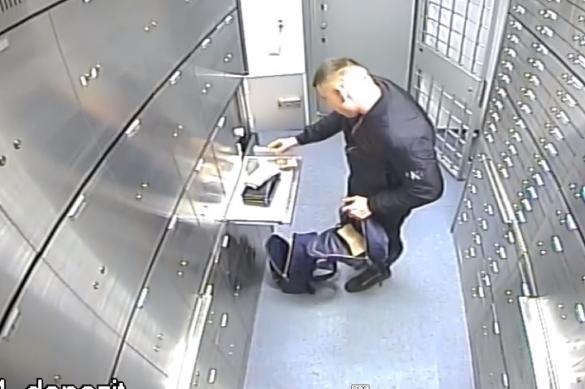 В Москве аферист скрылся с деньгами за два миллиона медицинских масок