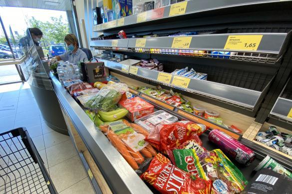 Мантуров предрек снижение потребительского спроса
