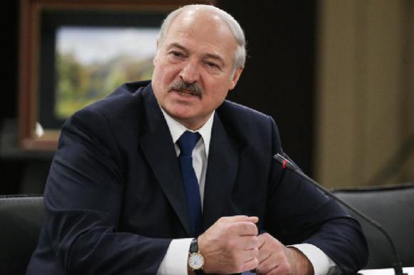 Лукашенко рассказал, что Россия намекала ему на присоединение