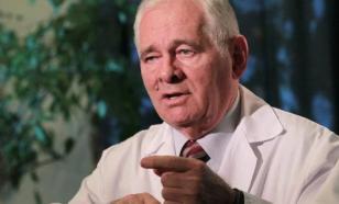 Рошаль посоветовал врачам-циникам снять халаты и уволиться