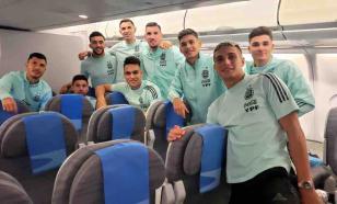 Сборная Аргентины летит домой после скандала на поле в Бразилии