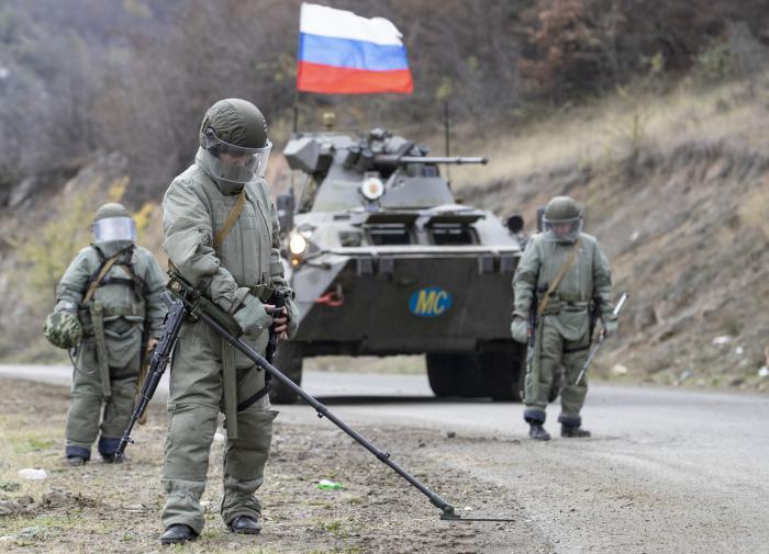 Минобороны: российские миротворцы отстраивают Степанакерт