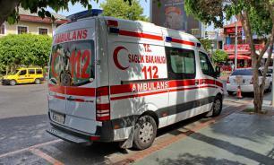 Российских туристов в Турции облили горячим маслом