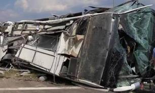 В Китае столкнулись автобус и грузовик