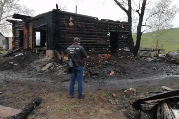 Женщина и трое детей погибли при пожаре в Алтайском крае