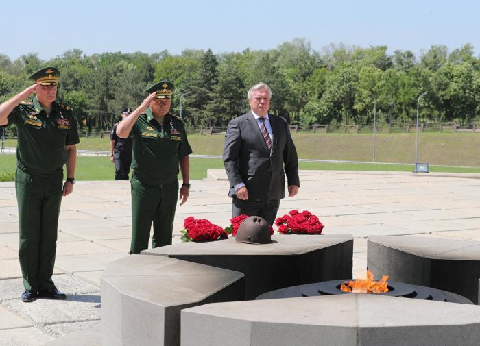 Сергей Шойгу отметил военно-патриотические достижения Ростовской области