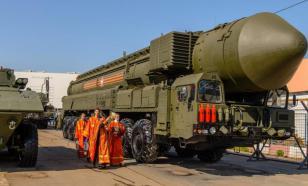 В РПЦ спорят - освящать ли ядерное оружие?