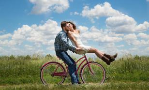 Опрос: пары в путешествиях ссорятся из-за досуга и денег