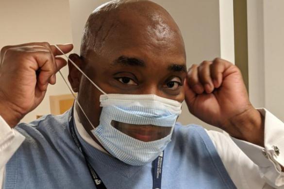 """Специальные маски """"с прозрачным ртом"""" разработаны для глухих"""