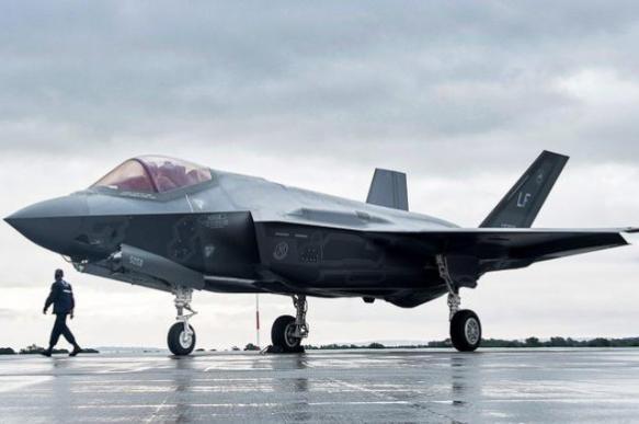 США исключат Турцию из проекта F-35 в случае покупки C-400