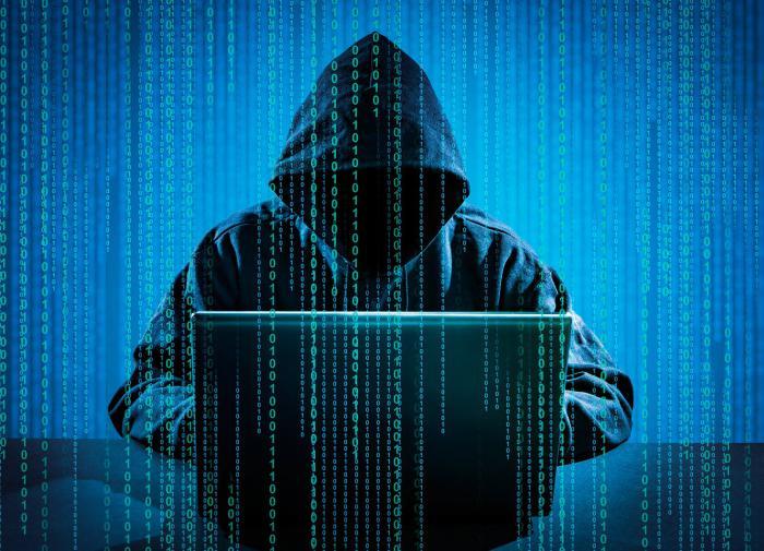 """Эксперт о кибератаке на США : """"Раньше они трясли пробирками"""""""