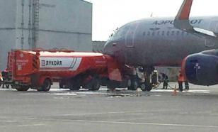 Опубликовано видео, как бензовоз протаранил самолет в Шереметьево