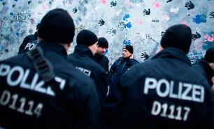 Полиция Берлина грозит наказаниями за клевету в соцсетях