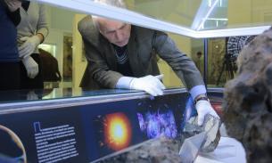Чебаркульский метеорит вернулся на положенное место