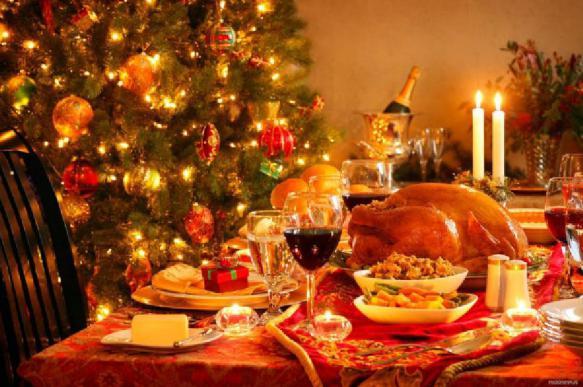 Врач посоветовал россиянам не переедать в новогодние каникулы