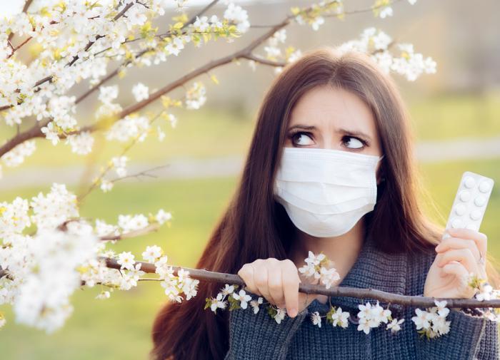 Врач рассказала об особенностях вакцинации аллергиков от COVID-19