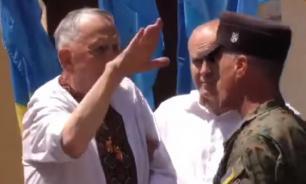 """Украинский ветеран """"зиганул"""" на церемонии награждения"""