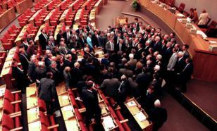 """Экс-депутат Госдумы: """"Эх, был Парламент в наше время, не то, что нынешнее племя"""""""