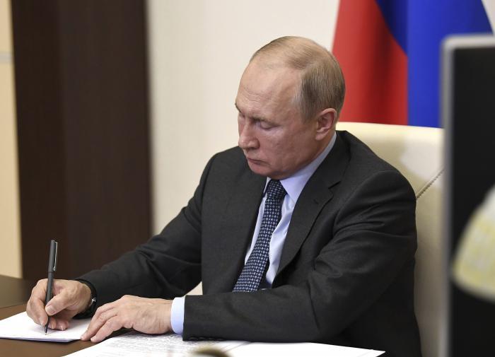 Самозанятыми в России смогут стать и 16-летние