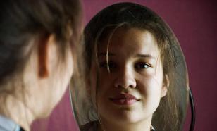 Жительница Омска под видом мужчины выманила у девушки 255 тысяч