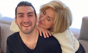 Любовь Успенская намекнула на роман с 27-летним певцом